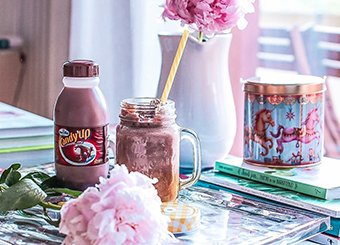 Chocolate milkshake con banana e cocco
